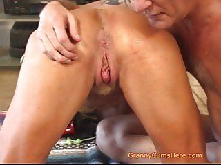 amateur blowjob Is YOUR Granny like US