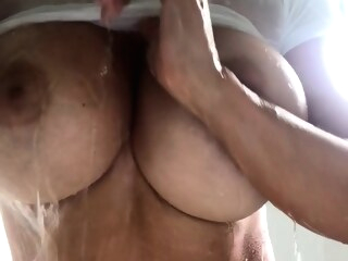 amateur big boobs Solo in the shower